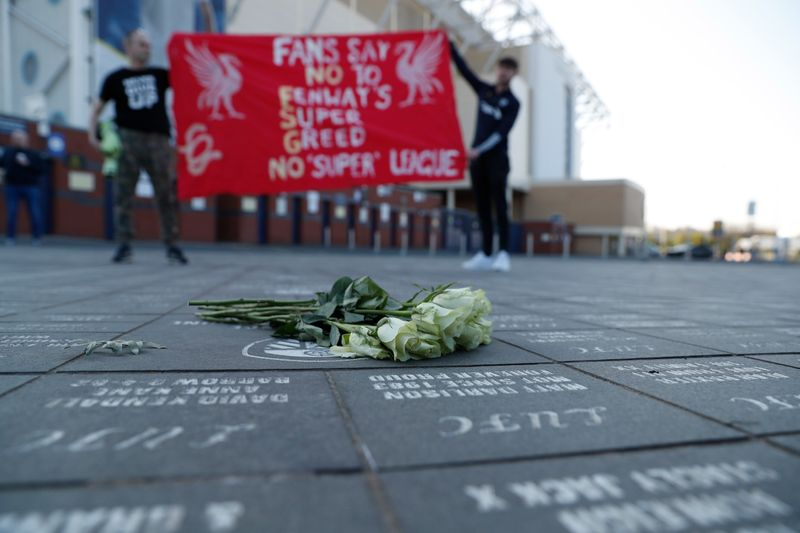 Liverpool-fans-